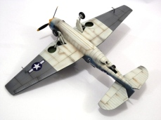 Modelo por Thunderbolt